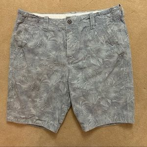 Abercrombie & Fitch palm tree camo green shorts